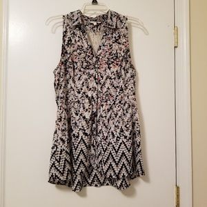 Candie's Sleeveless Floral Blouse L